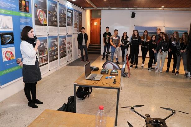 Мини-изложба на иновативни ученички проекти поддржани од ФИТР