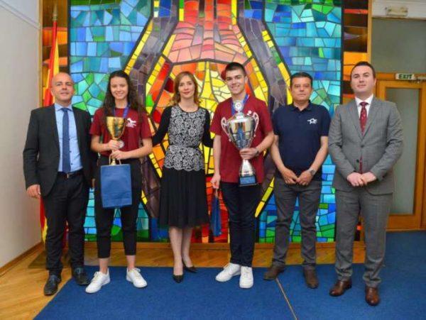 Викторија Панова и Марко Инѓилизов, второ место во Европа по финансиска писменост