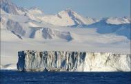 Најголемата ледена плоча на Антарктикот се топи десет пати побрзо отколку порано