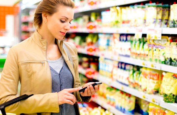 Ако сакате да заштедите, игнорирајте го својот паметен телефон кога пазарувате