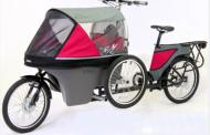 Со оваа вело-количка кога возите велосипед ќе можете да си го понесете и бебето