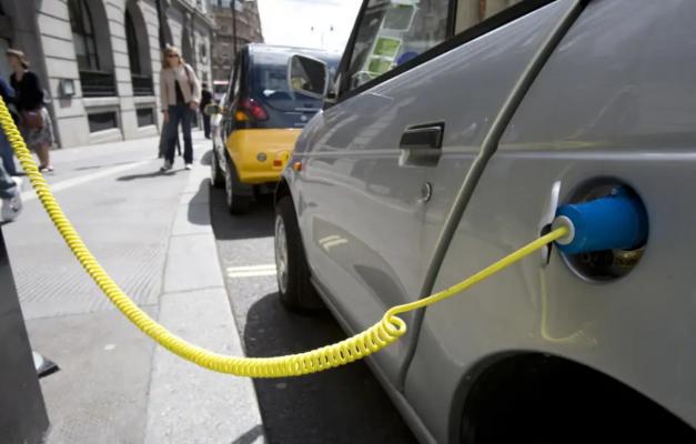 Лондон се подготвува за револуција на електричните автомобили