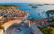 Хрватскиот град Хвар воведе нови казни за туристите