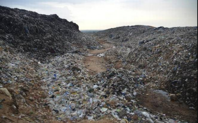 Оваа индиска депонија наскоро ќе биде повисока од Таџ Махал