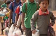 Учениците во ова индиско училиште образованието го плаќаат со пластични шишиња