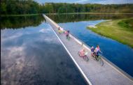 Иновативна велосипедска патека во Белгија поминува среде езеро