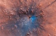 На Марс откриен нов кратер – Црвената планета доби црно-сина боја