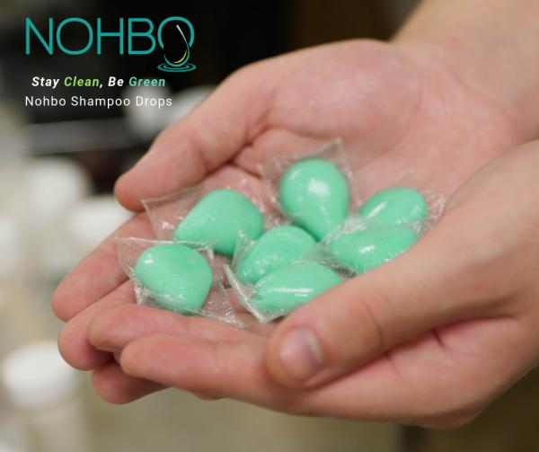 Наместо шампон во шише, пробајте ги овие капсули кои се раствораат во вода