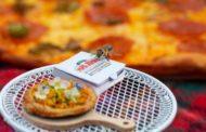 Papa John's направи мини-пица за пчели