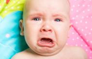 Вештачка интелигенција ќе им кажува на родителите зошто плачат бебињата