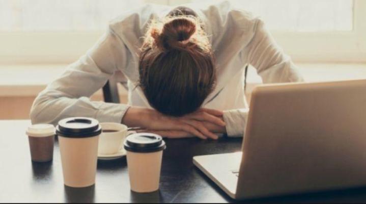 Истражувач од Оксфорд тврди дека одењето на работа порано од 10 часот наутро е измачување на телото