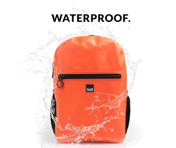 Ова е првиот 100% водоотпорен ранец во светот