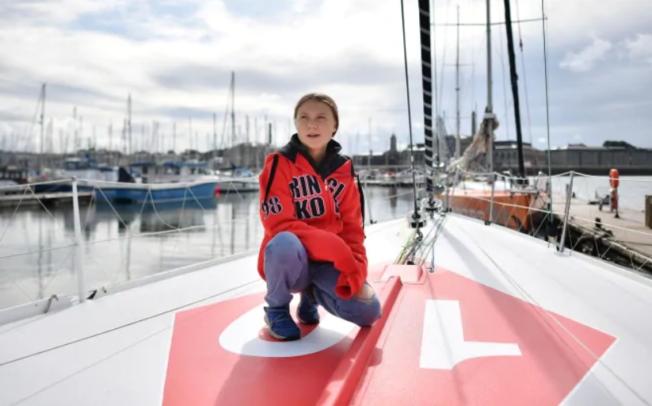 16-годишната Швеѓанка која се против климатските промени тргна на пат од Велика Британија до Њујорк со еколошка едрилица