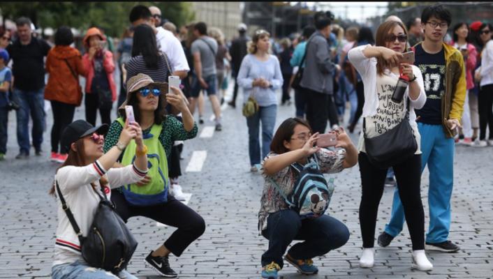 Кинезите и понатаму се водечка туристичка нација