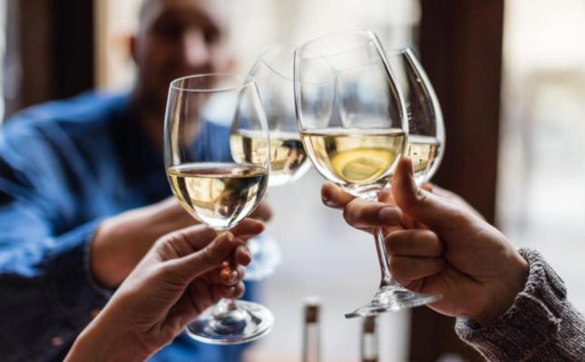 Само пет алкохолни пијалаци неделно можат да ви го скратат животот