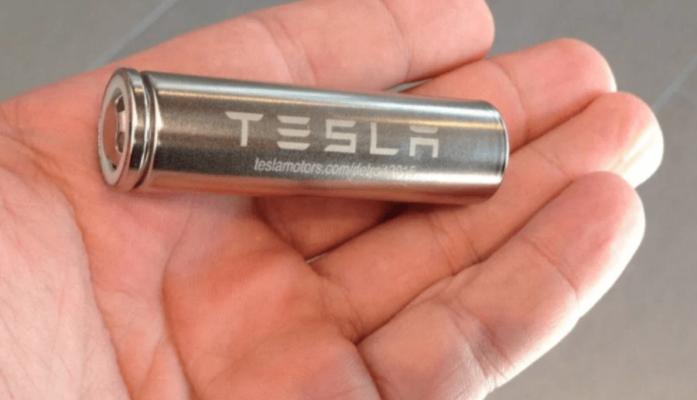 Илон Маск направи батерија со која автомобилите ќе возат 1,6 милиони км